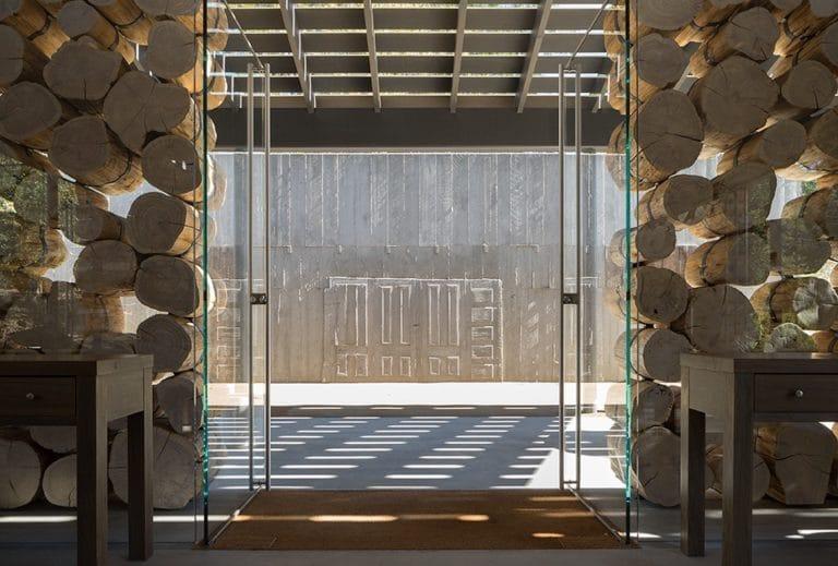 Adamvs Log Wall